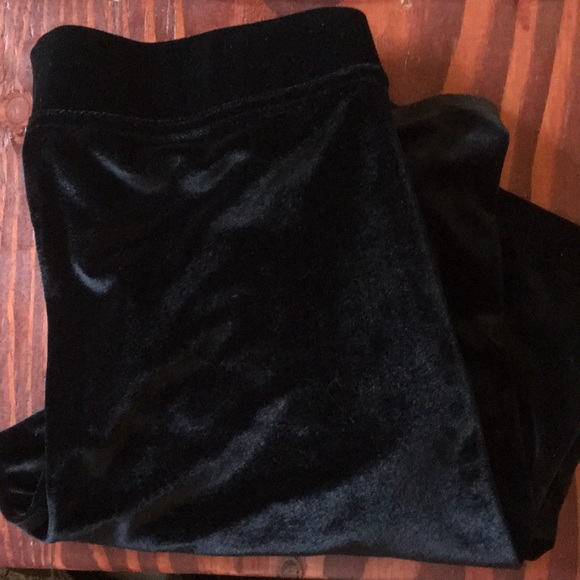 16f15069a6742 HUE Pants | Velvet Legging Black Like New | Poshmark